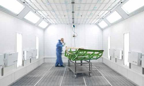 Die Lackierhalle in der IMF-3D-Fertigungshalle